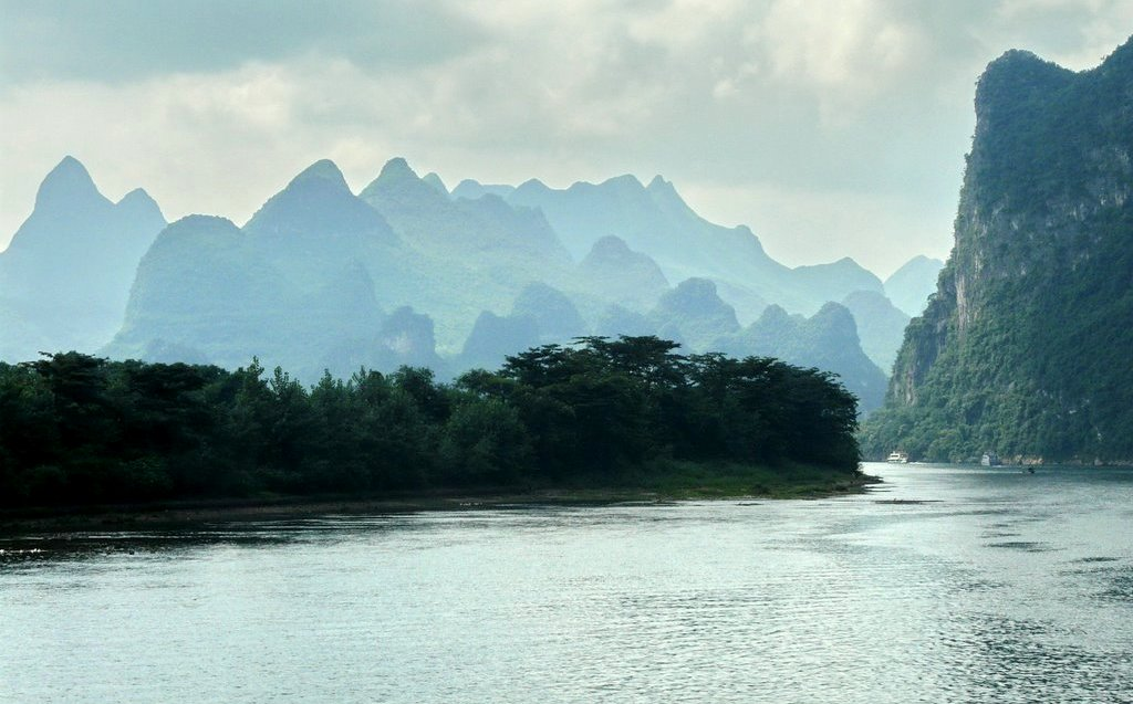 li-river-cruise-to-yangshuo-village-inn-guilin-yangshuo