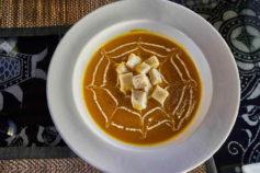 Yangshuo guesthouse - Luna Restaurant pumpkin soup - Yangshuo Village Inn